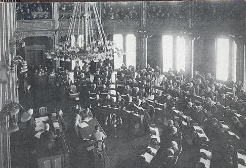 Christian Michelsen taler i Stortinget (Spillet om tronen. Kjell Arnljot Wig s. 49)