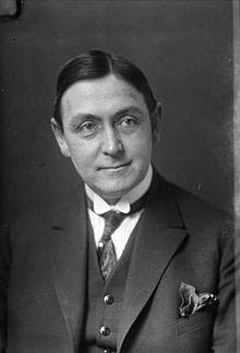 Francis Bull