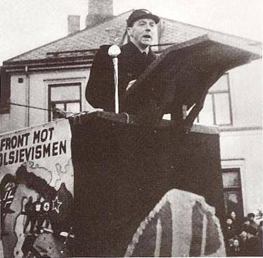 Gulbrand Lunde taler (Den norske nasjonalsosialismen. Nasjonal Samling 1933-1945 i tekst og bilder. Hans Fredrik Dahl, Bernt Hogtveit, Guri Hjeltnes.)