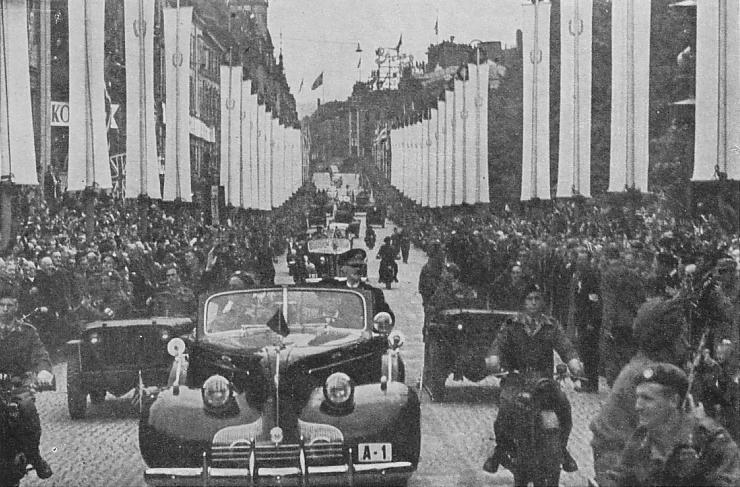 7. juni 1945, Karl Johans gate. (Kilde: W. P. Sommerfeldt: Hans Majestet Kong Haakon VII Taler 1905-1946 - et utvalg og en bibliografi. Oslo 1947)