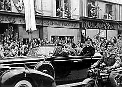 Kongefamiliens hjemkomst til Norge den 7. juni. (kilde: http://www.aftenposten.no/fakta/freden/article454663.ece)