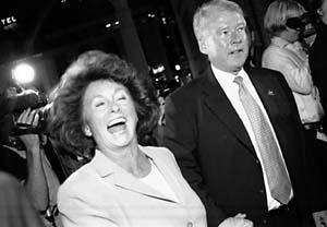 Carl I. Hagen og Eli Hagen på FrPs valgvake i Wallmanns Salonger (Fra www.nytid.no Foto: Britt Myhrvold)